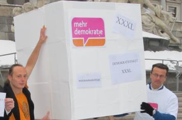 Wien: Aktion zum Demokratiepaket (26.2.2013)