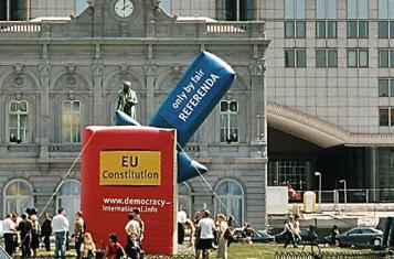 Europaparlament: Aktion von Democracy International